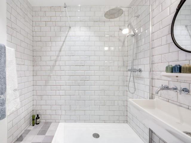 carrelage metro marbre maison et mobilier. Black Bedroom Furniture Sets. Home Design Ideas