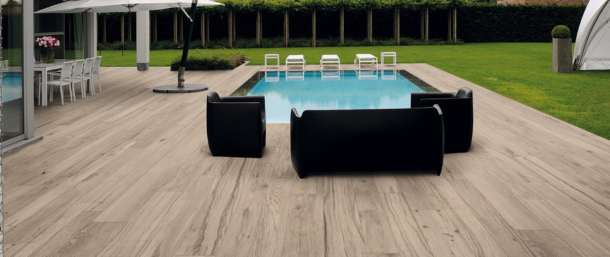 carrelage imitation bois piscine maison. Black Bedroom Furniture Sets. Home Design Ideas
