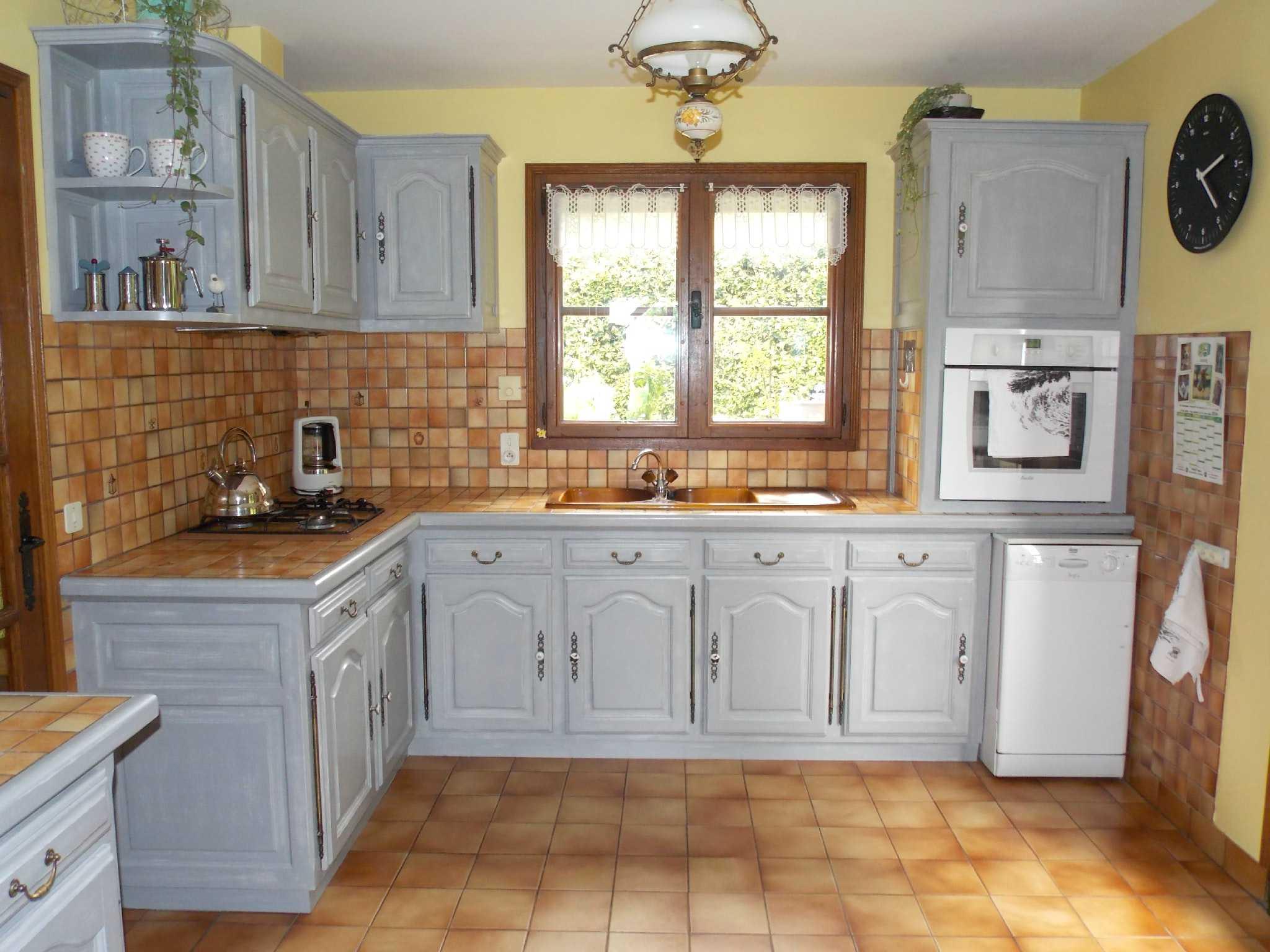 Modele cuisine rustique repeinte maison - Meuble de cuisine rustique ...