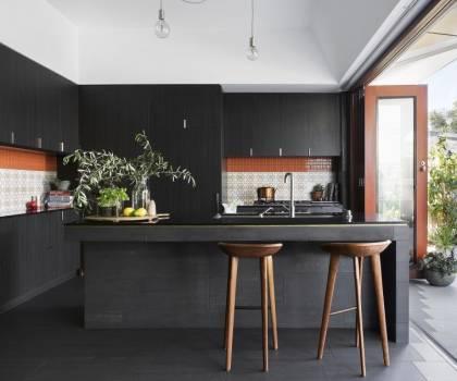 Petite cuisine ouverte avec ilot central - Cuisine contemporaine avec ilot central ...