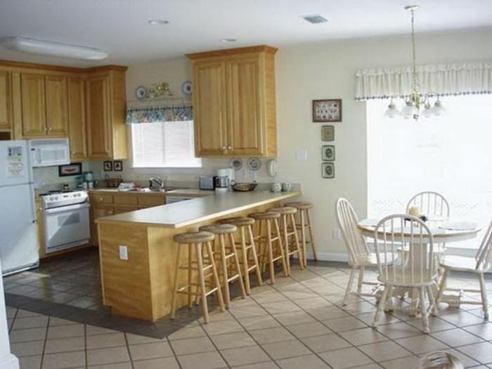 petite cuisine ouverte en bois maison et mobilier. Black Bedroom Furniture Sets. Home Design Ideas