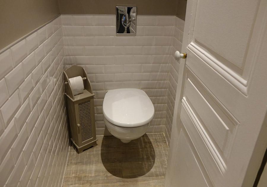 Carrelage imitation parquet wc maison et - Salle de bain peinture ou carrelage ...
