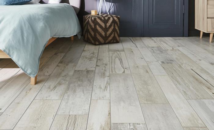 carrelage imitation parquet blanchi. Black Bedroom Furniture Sets. Home Design Ideas