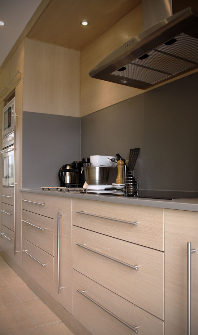 Plan travail cuisine gris clair maison et - Cuisine grise plan de travail blanc ...