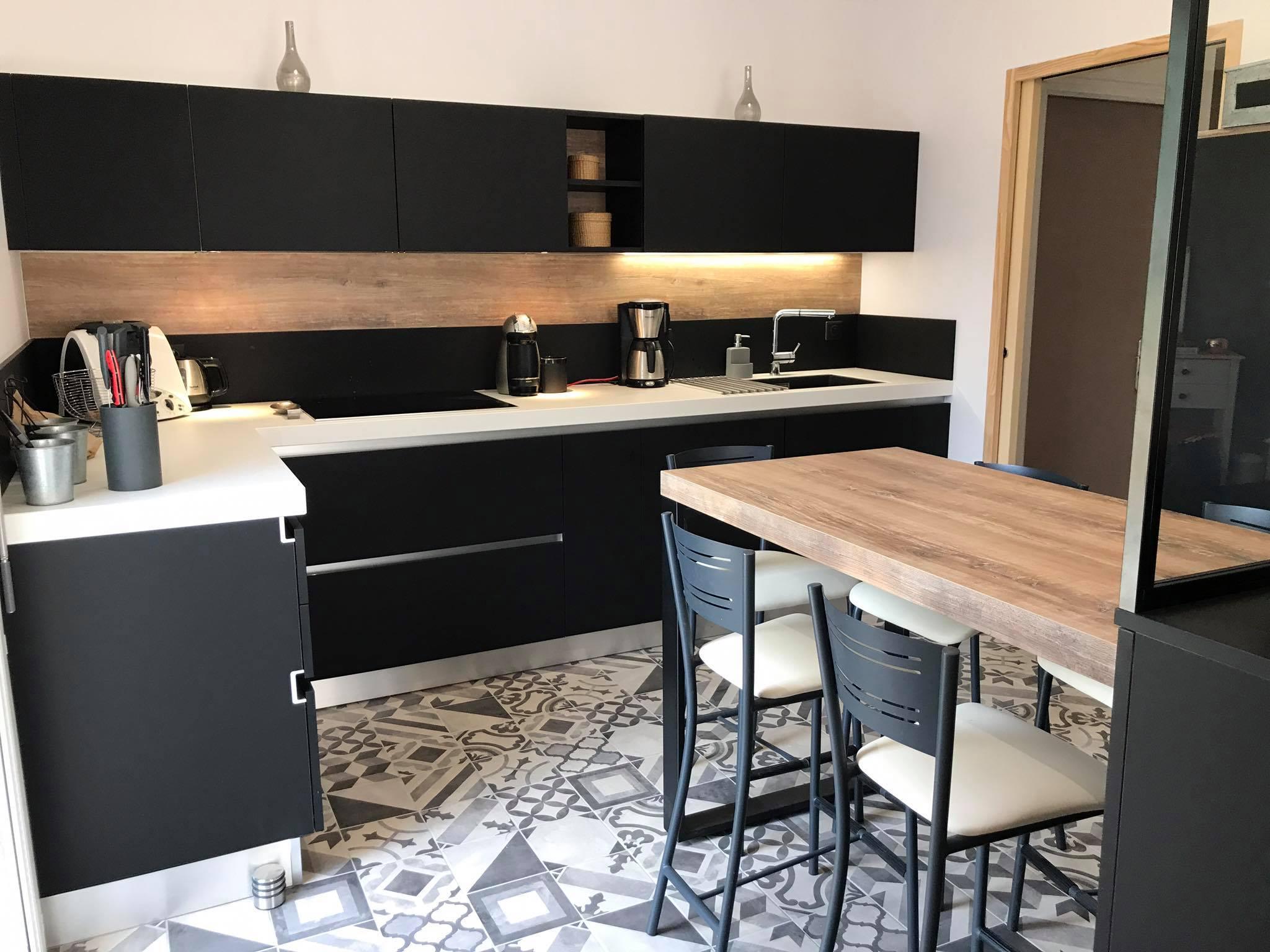 plan de travail cuisine noire - atwebster.fr - maison et mobilier