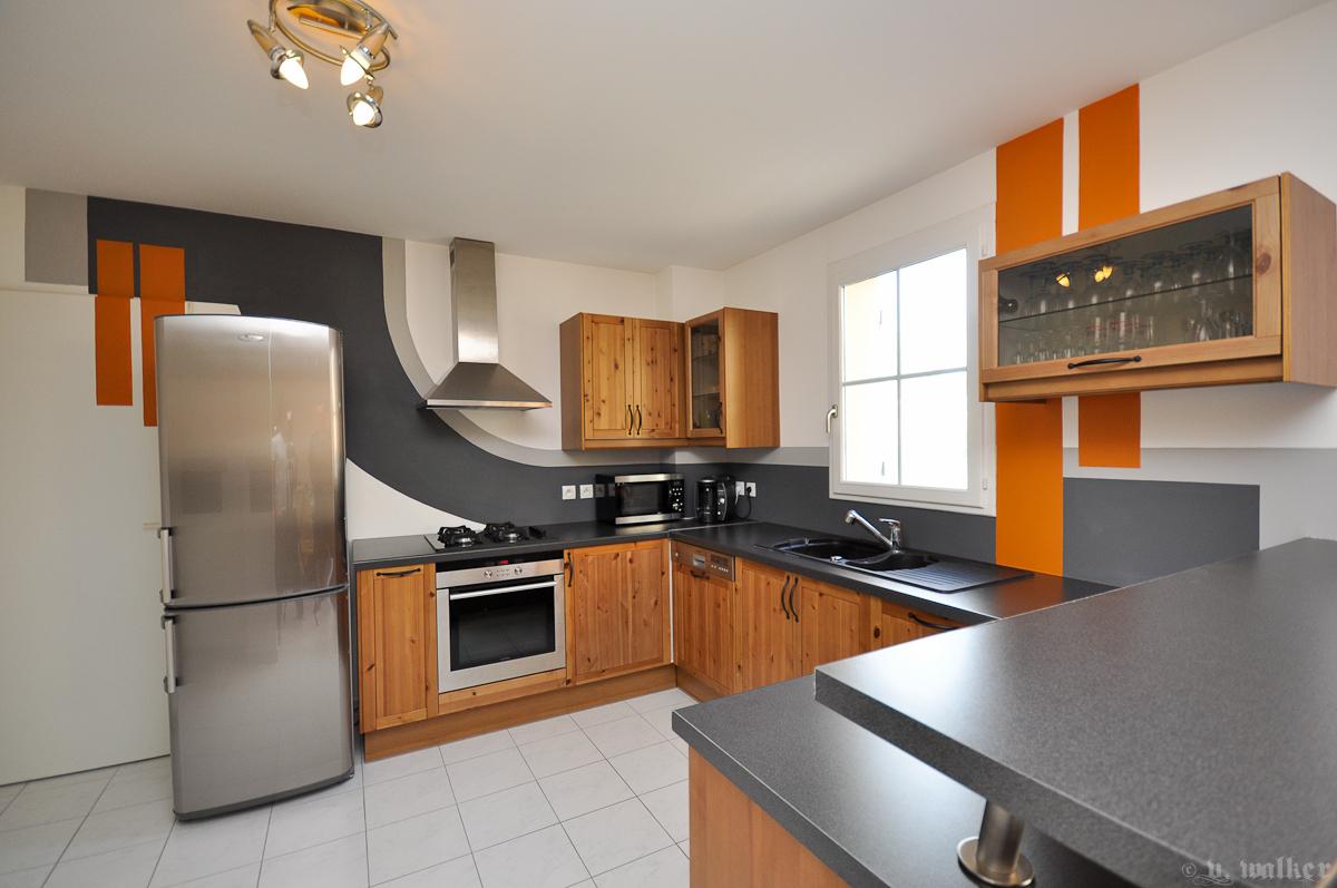 Peinture pour cuisine orange maison et mobilier - Peinture porte cuisine ...