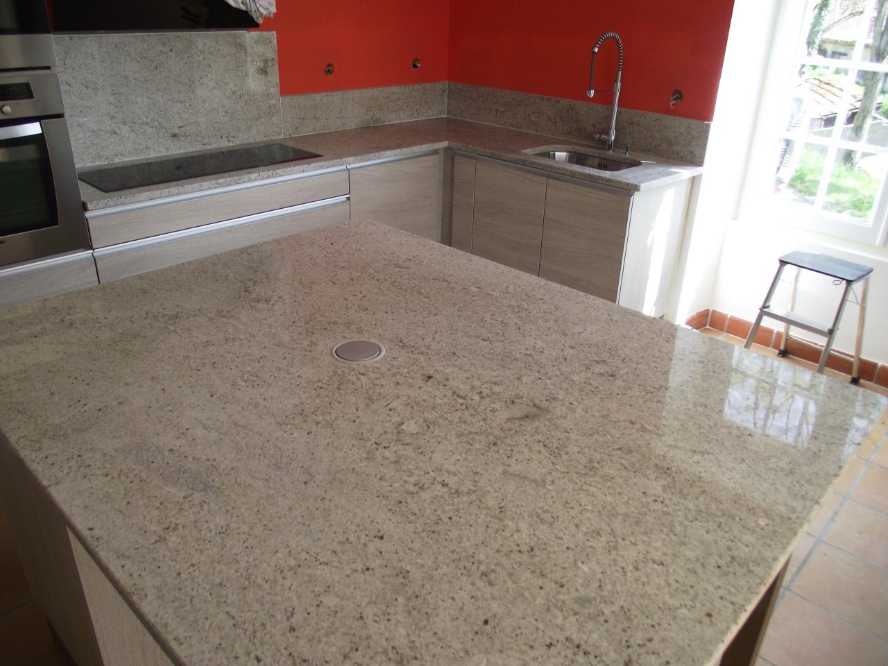 plan de cuisine granit ou marbre maison et mobilier. Black Bedroom Furniture Sets. Home Design Ideas