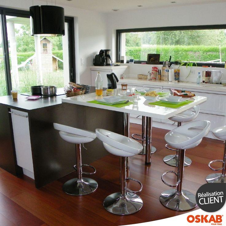 Modele de cuisine avec table bar maison et mobilier - Cuisine avec table ...