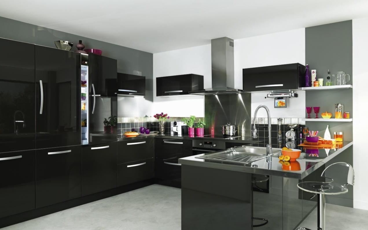Deco cuisine noir gris rouge maison et - Cuisine design blanche et noire ...