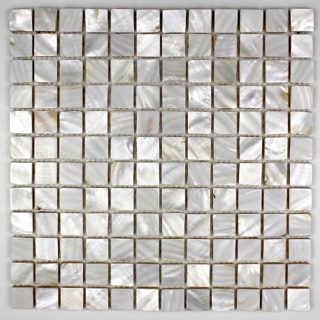 Carrelage blanc et mosaique