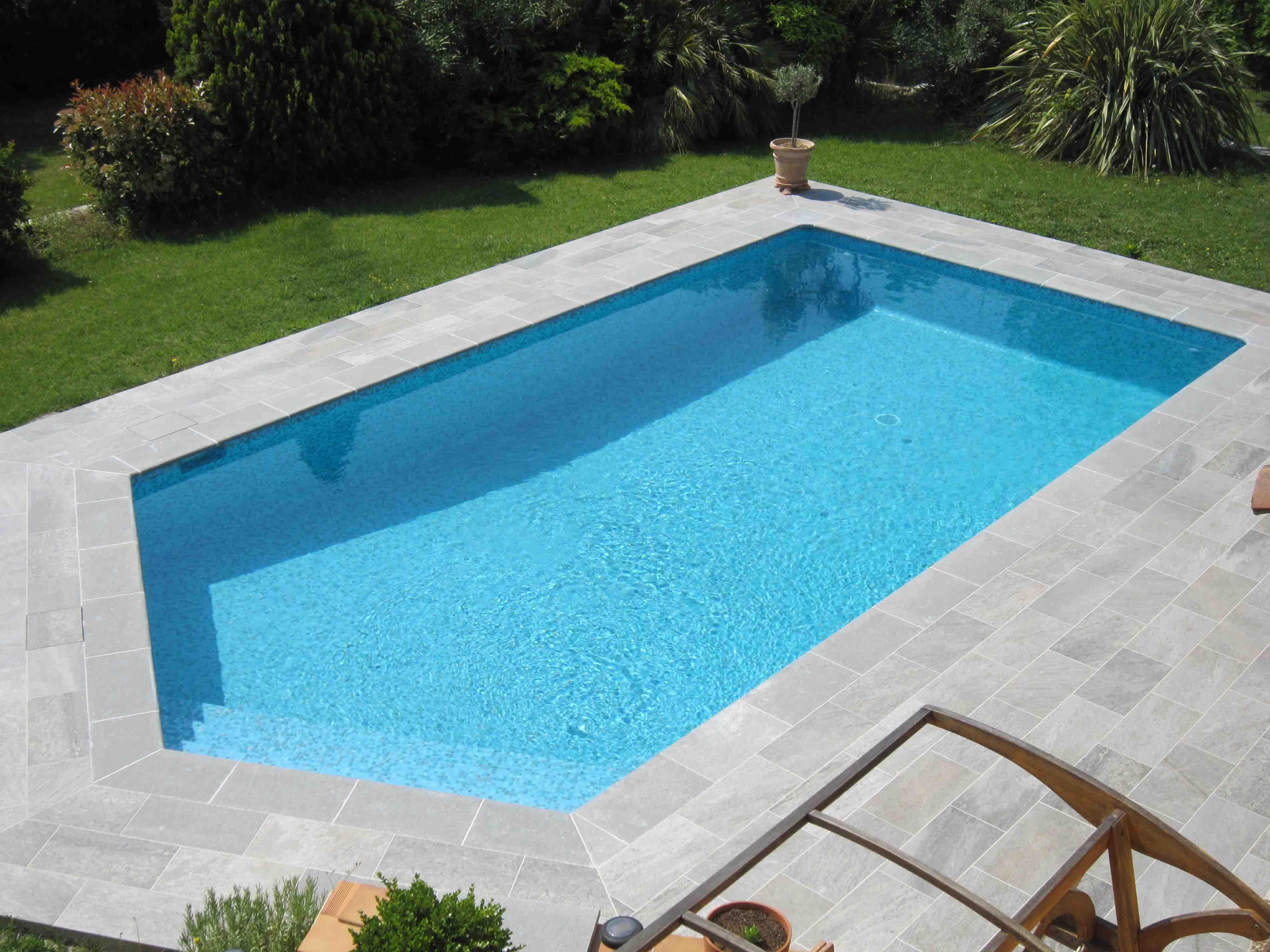 Carrelage mosaique bleu piscine maison et - Materiel pour carrelage ...