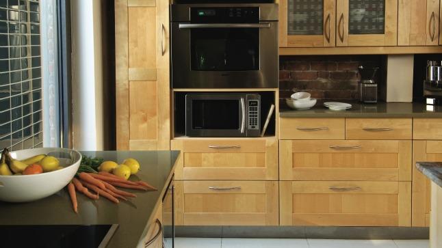 Porte armoire cuisine bois maison et mobilier - Meuble shaker ...