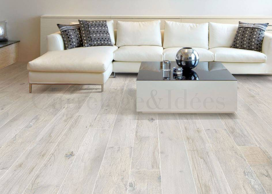 carrelage imitation bois gris clair. Black Bedroom Furniture Sets. Home Design Ideas