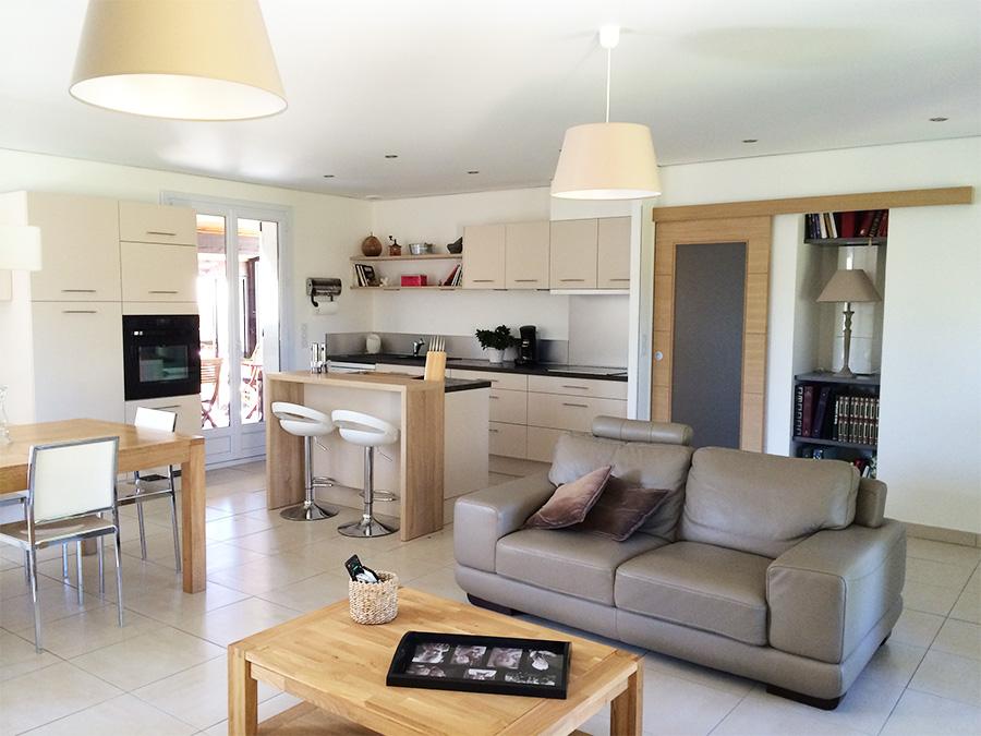 Idee deco salon cuisine 25m2 maison et - Amenagement salon salle a manger cuisine ouverte ...