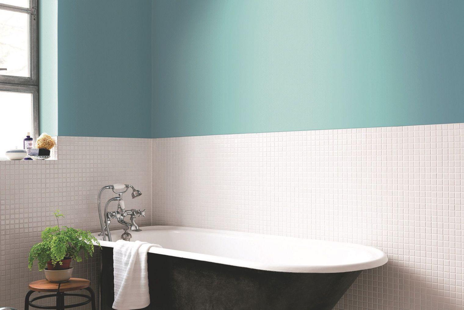 Peinture salle de bain avec carrelage blanc - Atwebster.fr - Maison ...