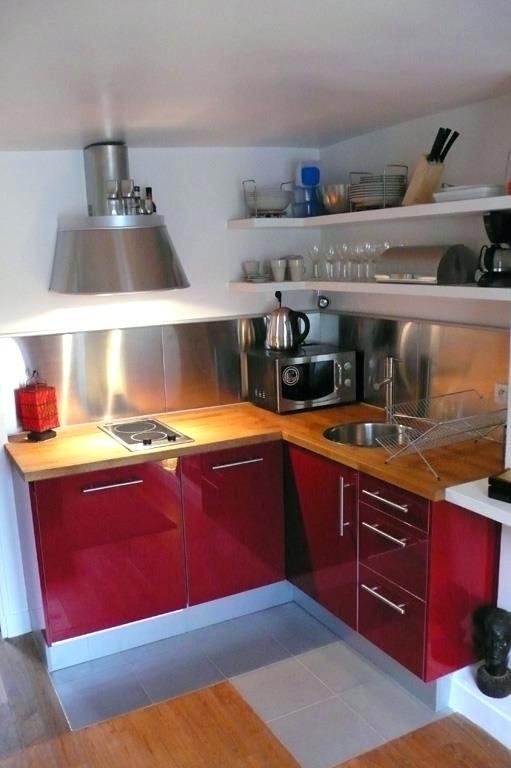 Petite cuisine moderne rouge maison et mobilier - Petite cuisine moderne ...