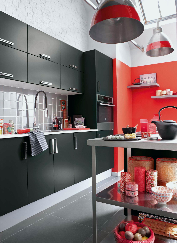 Decoration de cuisine en rouge maison et mobilier - Deco rouge cuisine ...