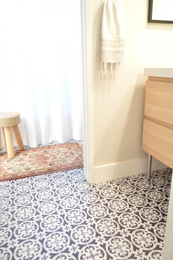 carrelage adhesif au sol maison et mobilier. Black Bedroom Furniture Sets. Home Design Ideas