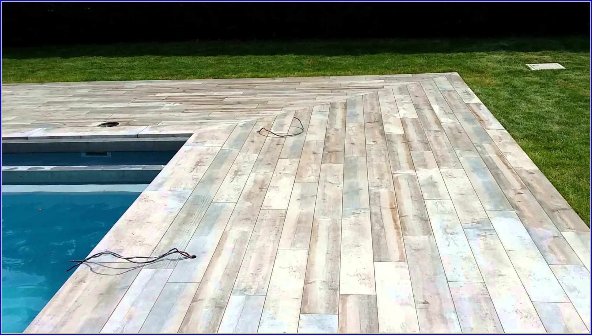 Carrelage imitation parquet autour piscine - Atwebster.fr - Maison et mobilier