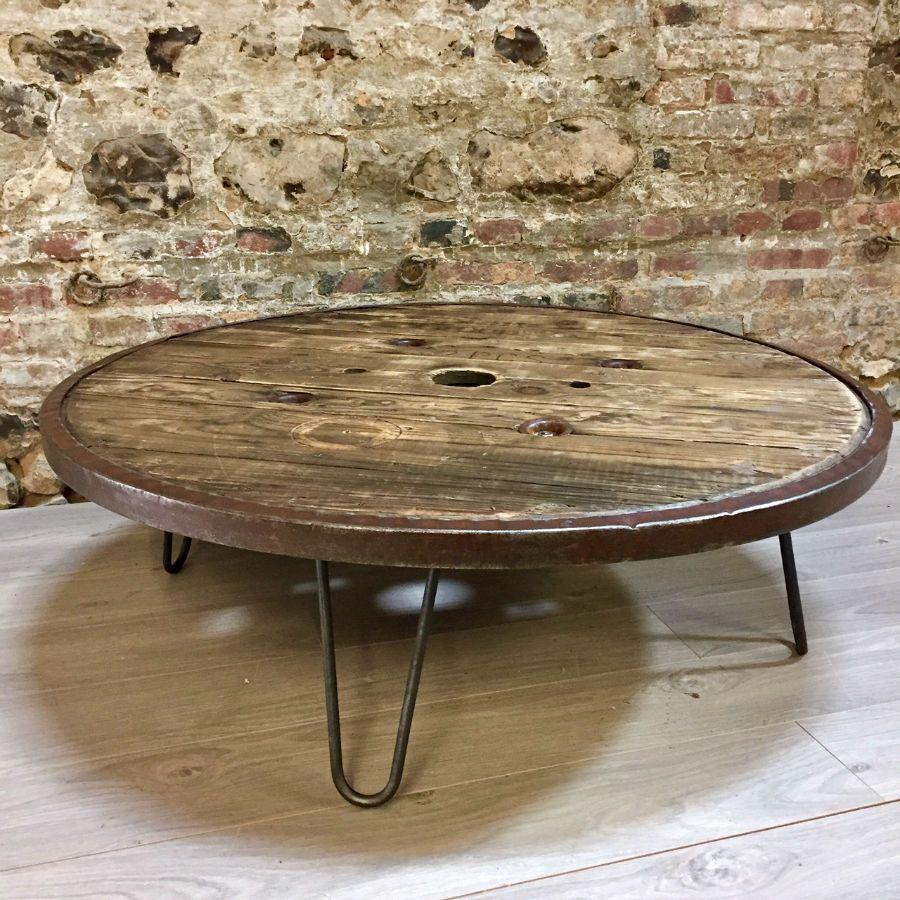 table basse touret maison et mobilier. Black Bedroom Furniture Sets. Home Design Ideas