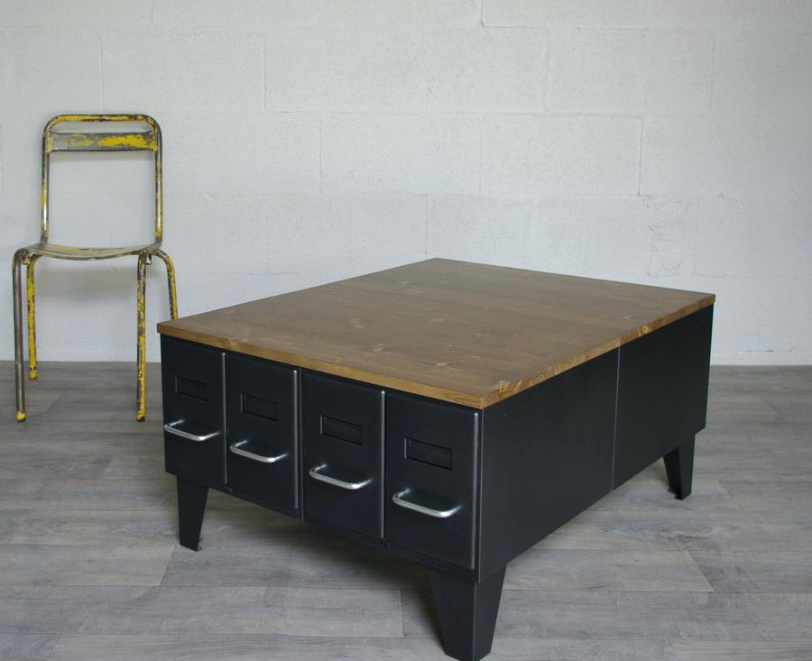 table basse style industriel but maison. Black Bedroom Furniture Sets. Home Design Ideas