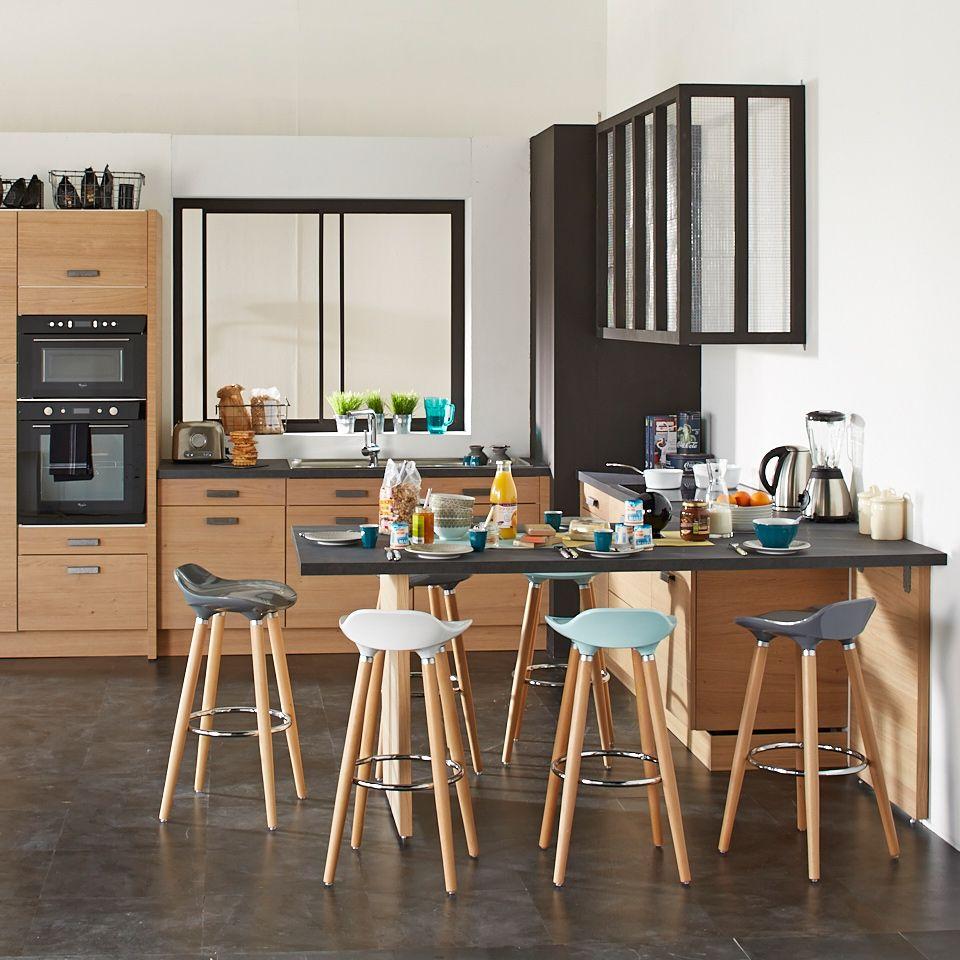 table de cuisine haute avec tabourets. Black Bedroom Furniture Sets. Home Design Ideas